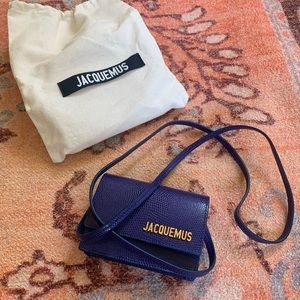 New jacquemus Le bello bag in blue.